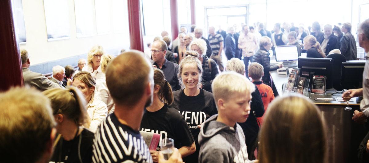 Instruktør Kasper Barfoed og skuespillerne præsenterer filmen Sommeren 92 til gallapremiere i Scala biografen under SVEND 15 - Danmarks Film- og Kulturdage i Svendborg 24. august 2015. Foto: Asbjørn Sand
